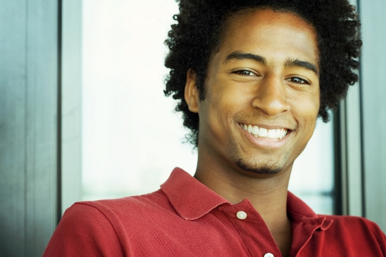 istock_people_young_man_red_shirt_afram (550x366)