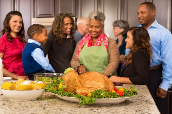 Family_Thanksgiving (550x366)