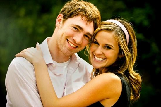 happy-couple-newlyweds (550x366)